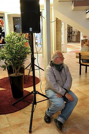 En och annan man fanns i publiken – Hans Bjurström från Ljusdal hade egen stol med.