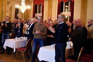 Christer Persson fick stående ovationer av det välbesökta medlemsmötet.