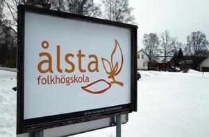 Ålsta folkhögskola har genom sina investeringar i solenergi och biobränsle fått en tydlig hållbarhetsstämpel.