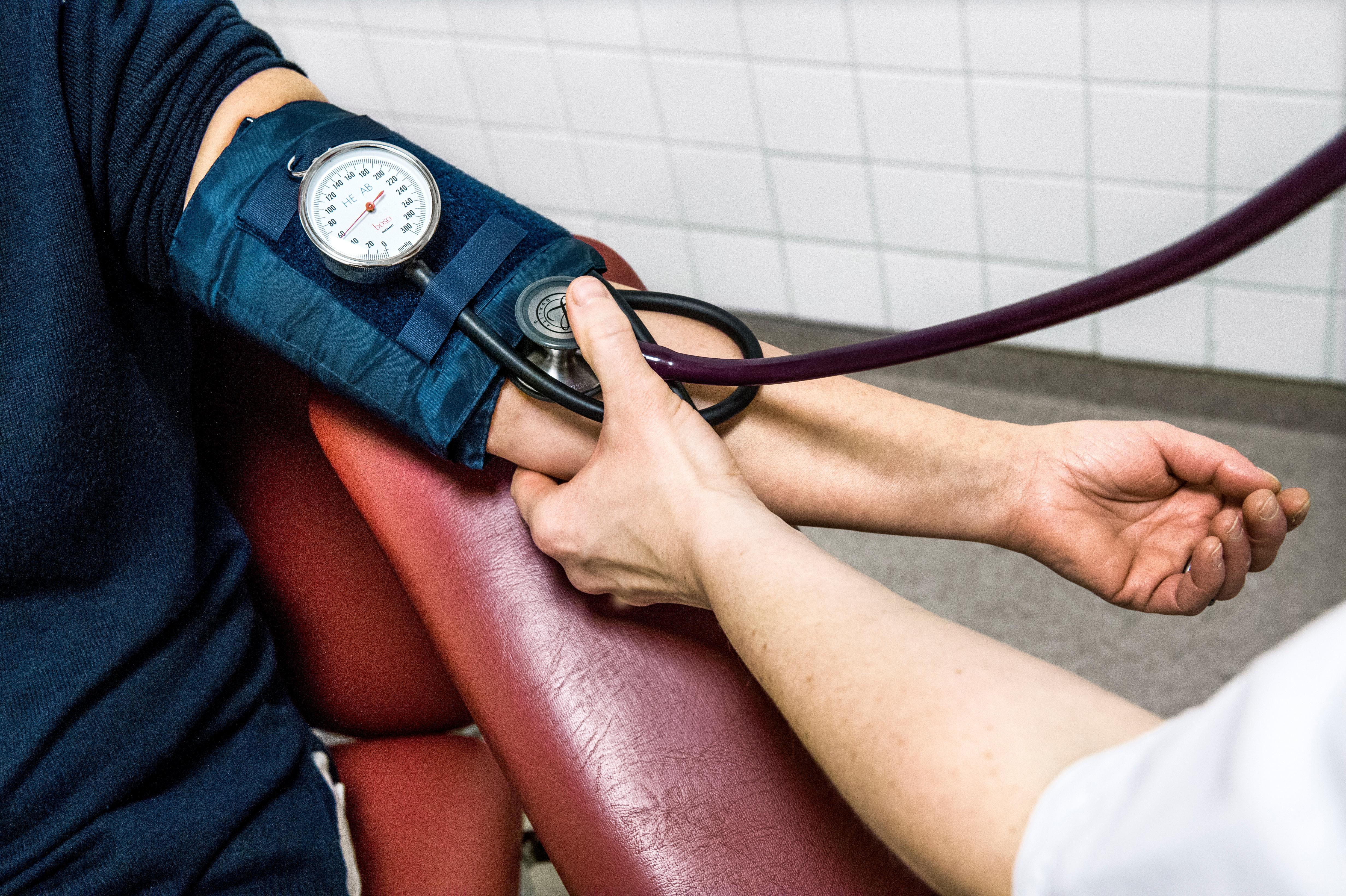 akut högt blodtryck
