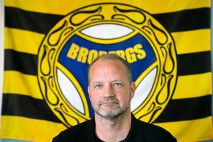 Björn Eriksson vill se ett ändrat fokus inom svensk elitbandy.
