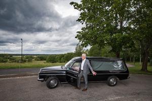 Begravningsentreprenören och likbilen. 41 år efter Ronnie Petersons död berättar Torgny Götmar om den dramatiska jakten undan paparazzifotograferna.