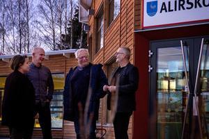 Lena Dahlin, Tomas Hellberg, Janne Blomberg och  Lars Bäckström vill att politikerna prioriterar skolan högre.