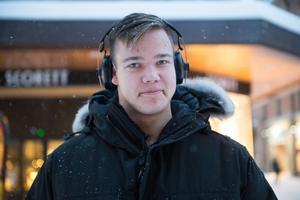 Maximilian von Renteln, 20, mångsysslare, Sundsvall.