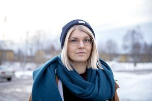 Lisa Tynnemark, ordförande för barn- och utbildningsnämnden i Sundsvall, måste fundera på varför Sundsvall har rasat från toppen till botten på ett kvartssekel.