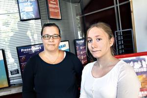 """Wiktoria och Emelie Wallén från Brynäs hoppades på ett bra avslut """"så att inget hänger kvar""""."""