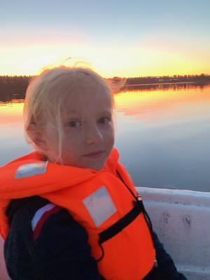 Wilma Bengtsson seglar på havet Foto: Elisabeth Peter