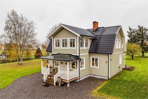 Rymlig och renoverad villa i Grangärde, Ludvika kommun. Foto: Carina Heed/Fastighetsbyrån