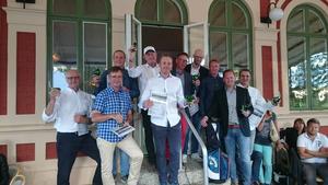 Tio lyckliga golfspelare som kvalificerade sig till Memira Opens slutspel i slutet av april nästa år.