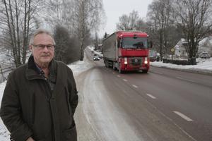 Håkan Andersson hävdar bestämt att riksvägstrafiken i Ludvika ska ledas via en förbifart. Men nu har han nått vägs ände efter att regeringen beslutat att avslå hans och hustruns överklagande.