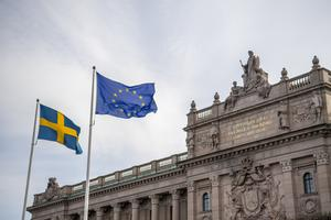 En röd röst i EU-valet är därför en röst för nej till Sverige, ja till ännu mer makt åt EU, skriver Stig Mörtman.
