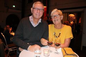 Eva Lättman Löfgren och Kenneth Löfgren var spända på att se vilka som skulle vinna i de olika klasserna. Eva Lättman som jobbar på Limon tycker att galan är ett trevligt arrangemang.