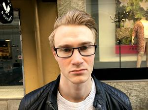 Emil Andersson, 24, serviceagent, Sundsvall:
