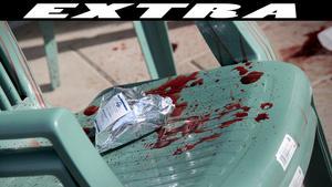 Enligt personen som tog hand om den knivhuggne mannen tryckte de en handduk mot hans hals för att stoppa blödningen.