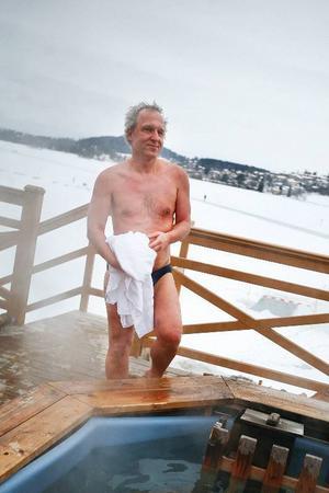 Kvällens mest långväga gäst är Jörg Rode från Offenbach i Tyskland.– Jag är här för snön skull för hemma i Tyskland har vi inte haft snö på tio år.