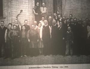 Arbetsstyrkan på Norrtelje Tidning i maj 1930.
