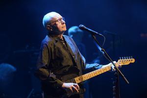 Ulf Dageby i Nationalteaterns rockorkester.