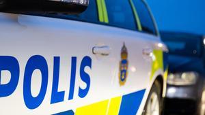 """JUST NU: Polisavspärrningar i Ladugårdsängen – """"Vi har hittat ett föremål"""""""