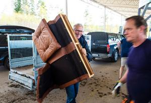 Stellan Kolbäck håller på att städa ut ett dödsbo och har besökt kretsloppsparken två gånger under dagen.