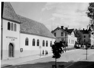 Fotografi av byggnaden som 1932 var Metodistkyrka. Bild: Axel Eliassons konstförlag Stockholm