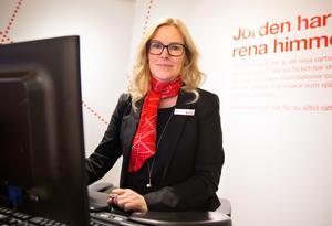 Anette Stark resesäljare på Ticket i Västerås säljer mycket resor till Gran Canaria över julhelgen.