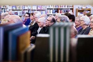 I maj i år kom 120 personer till Kulturhuset i Bollnäs för att delta i det demokratiska samtalet vid Lilian Sjölunds boksläpp av boken