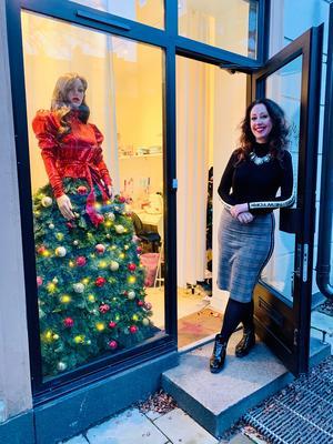 Margaretha Julles ateljé i Atlasområdet vid St Eriksplan i Stockholm är ett himmelrike för glamälskare.