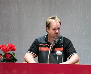 Sverigedemokraterna i Jämtland, med Ronny Karlsson i spetsen, var en av valets stora vinnare. Men svårigheten att rekrytera politiska företrädare till partiet gör att de.