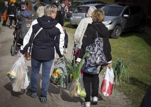 Många hade en del att bära på när de gick hem.