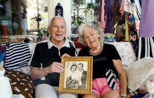 Efter 73 år tillsammans är kärleken mellan Ronald och Doris Öhlén fortfarande lika stark.