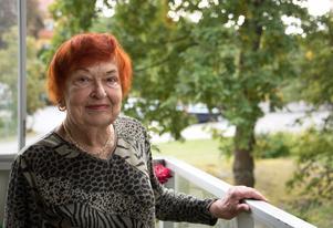 Aliz Serafin var nämndeman i flera års tid. Hon var en aktiv politiker i Nynäshamn i flera års tid under 1980- och 1990-talen.