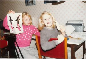 Agnetas och Annelies föräldrar var noga med att tvillingarna skulle behandlas som två olika individer.