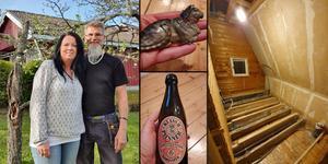 Ingela och Jonny Östberg, samt föremål de hittad i golvet till sitt hus. Bilder: Privat.