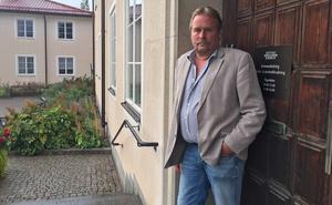 Inge Östlund (SD) ville ge socialförvaltningen och barn- och utbildningsförvaltningen runt tre miljoner vardera mer att röra sig med än vad majoriteten föreslog.