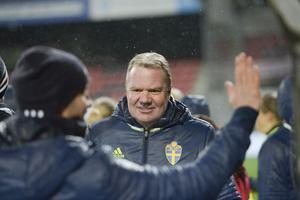 Karl-Erik Nilsson låter övertygad om att den allsvenska fotbollen ska kunna dra i gång i mitten av juni. Arkivbild.