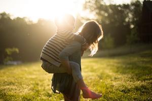 Den 1 januari blir barnkonventionen lag i Sverige. Foto: Bris