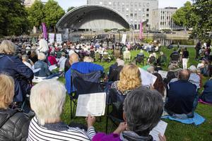 Den 17 augusti bjuder VLT in till Allsång i Stadsparken. Välkommen!