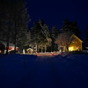 Denna bild tog jag när jag och min familj var upp och firade jul i Lilsele (någon mil utanför Junsele) Tyckte jag fånga den där härliga julkänslan, skriver Sebastian Åström.