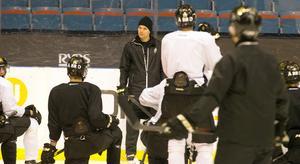 AIK-tränaren Tomas Mitell får klara sig utan sju ordinarie spelare i matchen mot SSK.
