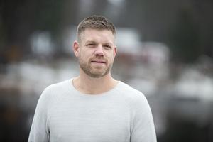 """""""Nu för tiden har jag lätt för att gråta. Bland kriminella är glädje den enda tillåtna känslan"""" säger Eddie Andersson."""