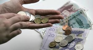 Tiden då man lämnade kontanter på bordet är förbi. Foto: Fredrik Sandberg/TT