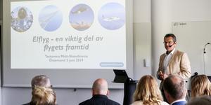 Ett 50-tal åhörare deltog i onsdagens konferens, där myndigheter, flygplanstillverkare och andra näringar fick en chans att utbyta kunskap och idéer runt elflyget och att diskutera behovet av en testarena för företagen som utvecklar dem.