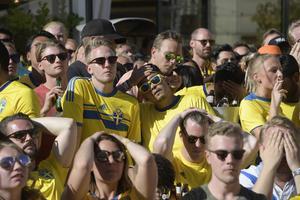 Krönikören fick dessvärre inte glädjas åt Sveriges avancemang till semifinal, England blev för starka.Foto: Janerik Henriksson/TT
