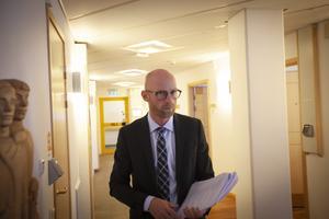Åklagare Niklas Jeppsson har  valt att inte prata med media förrän efter att pläderingen var över.
