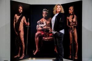 Fotografen Elisabeth Ohlsson Wallin är tillbaka på länsmuseet med utställningen id:Trans. 20 år efter den kontroversiella Ecce Homo.