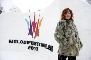 """""""Låten var rolig och ovanlig och inte så 'Melodifestival'"""", säger Jenny Silver. Sångerskan misslyckades året, men ställer ändå upp i årets Melodifestival."""
