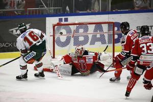Anton Axelsson sätter 1–3 bakom Tim Sandberg.