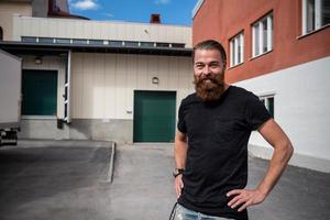Krögaren André Berglund vill ha längre öppettider på sina krogar Rå och Udda Tapas.