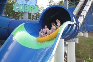 Den långa varma sommaren lockade många till Sommarland. Totalt kom över 345 000 personer till nöjesparken i år.