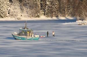Taxibåten från Stridsholmens tvingade Louise och Anders Branting att återvända hem tomhänta. Foto: Roine Karlsson